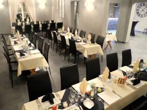 Table Separee Petite Salle (1)
